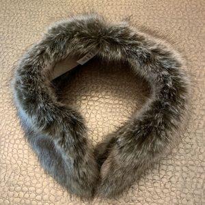 Ladies faux fur collar